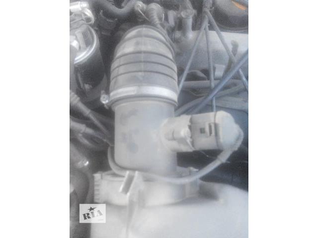купить бу Б/у расходомер воздуха для легкового авто Audi A6 2000 в Львове