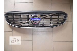 б/у Решётка бампера Volvo XC60