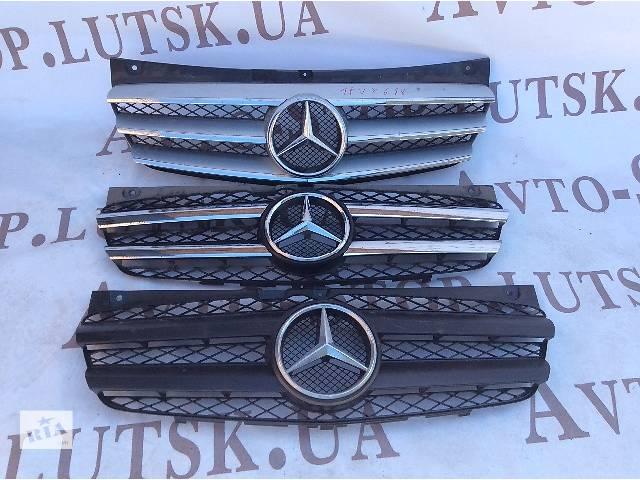 купить бу б/у Решётка радиатора Mercedes Vito 639 Viano 2010-14 в Луцке