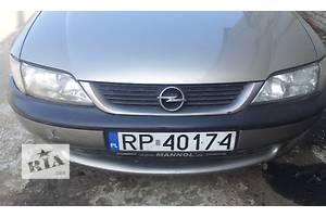 б/у Решётка радиатора Opel Vectra B