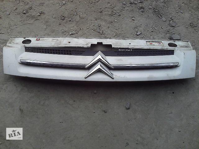 продам Б/у решетка радиатора для пикапа Citroen Berlingo бу в Ивано-Франковске