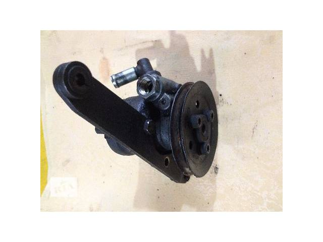 продам б/у Рулевое управление Насос гидроусилителя руля Легковой Audi A4 357422155g бу в Луцке