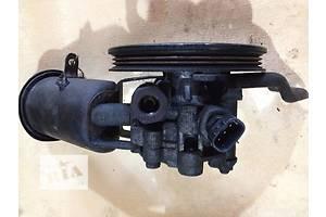 б/у Насосы гидроусилителя руля Toyota Yaris