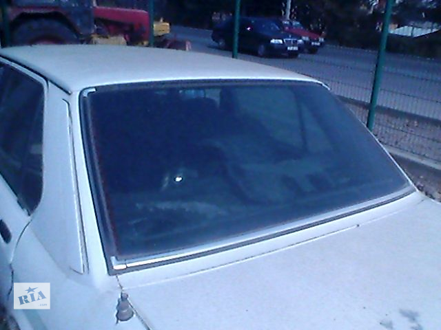 купить бу Б/у скло в кузов для седана BMW 520 1986 в Ивано-Франковске