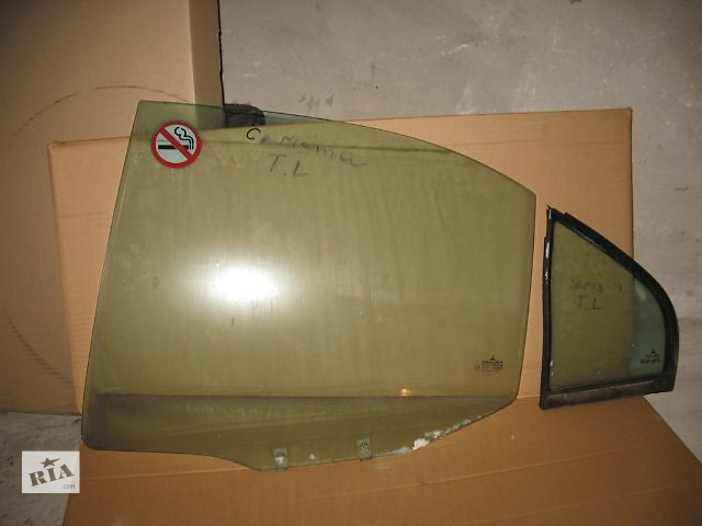купить бу Б/у стекло двери для легкового авто Mitsubishi Carisma 1999 в Луцке