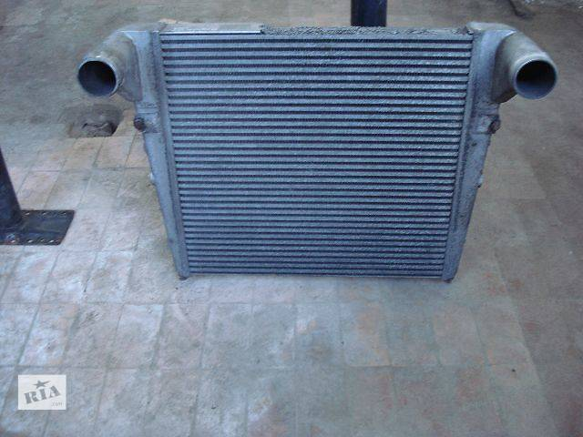 купить бу б/у Система охлаждения Радиатор интеркуллера Грузовики Renault Magnum 2003 в Луцке