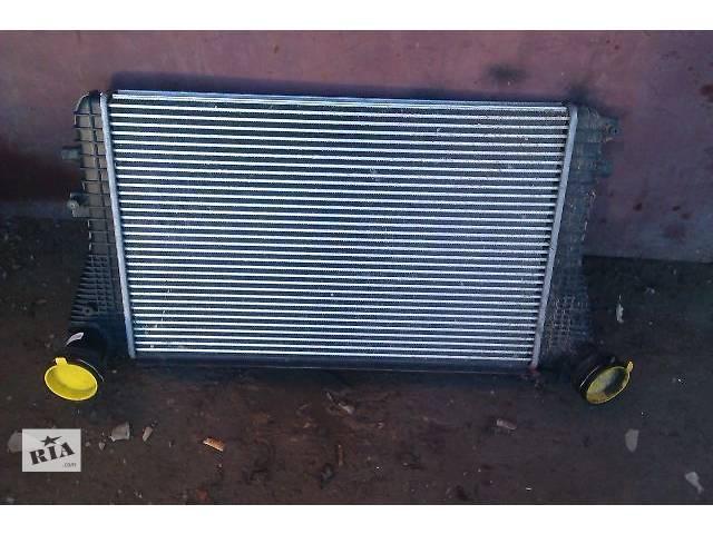 купить бу Б/у Система охлаждения Радиатор интеркуллера Легковой Skoda Octavia A5 2009 в Виннице