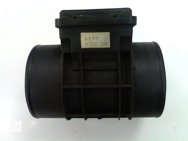 купить бу Б/у Система впуска и выпуска Расходомер воздуха Легковой Mazda 626 Хэтчбек 1996 в Львове