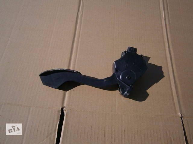 продам б/у Топливная система Педаль газа Легковой Toyota Rav 4 2011 бу в Луцке