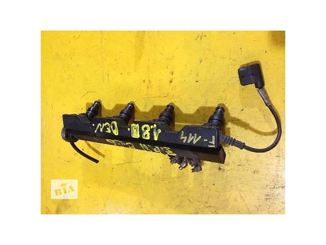 купить бу б/у Топливная система Топливная рейка (1727234) Легковой BMW 3 Series e36 1.6-1.8 в Луцке
