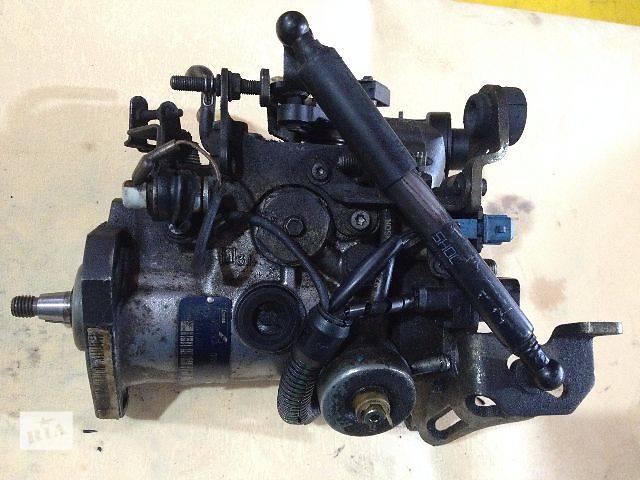 купить бу б/у Топливная система Топливный насос высокого давления/трубки/шест Легковой Citroen Jumpy r8445b250a в Луцке