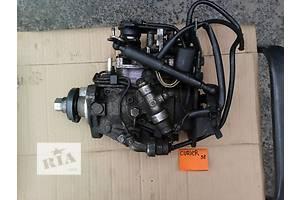 б/у Топливный насос высокого давления/трубки/шест Ford Courier