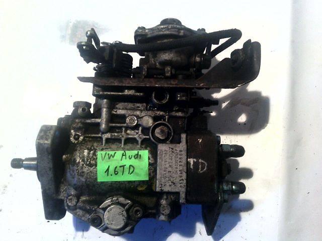 купить бу б/у Топливная система Топливный насос высокого давления/трубки/шест Легковой Volkswagen в Ковеле