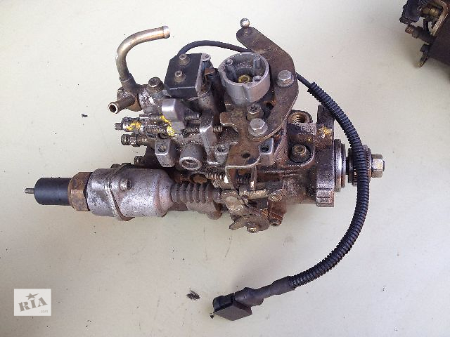 бу Б/у топливный насос высокого давления/трубки/шест для легкового авто Renault Trafic 2.5D в Луцке
