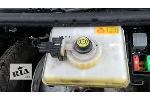 б/у Бачки главного тормозного цилиндра Ford Transit Connect
