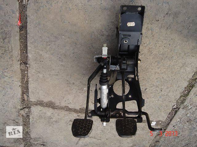 продам б/у Тормозная система Педаль тормоза Легковой BMW 540 бу в Ужгороде