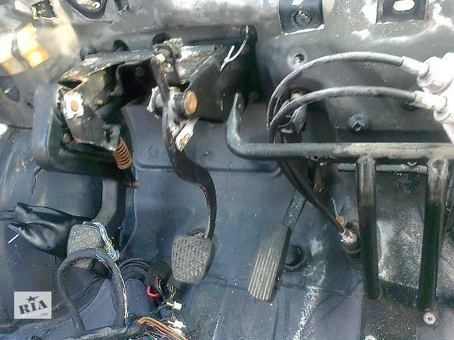 б/у Тормозная система Педаль тормоза Легковой Mercedes Vito груз. 2000- объявление о продаже  в Чопе