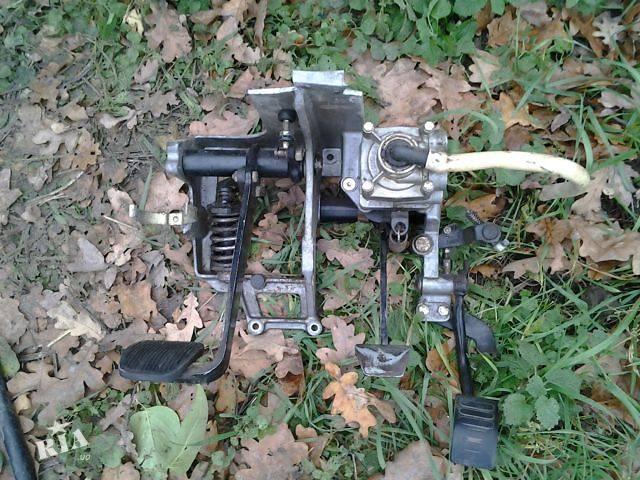 купить бу б/у Тормозная система Педаль тормоза Грузовика MAN 8.163 в Умани