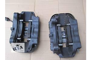 б/у Скобы суппорта Volkswagen Touareg