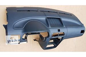 б/у Торпедо/накладка Ford Transit Connect