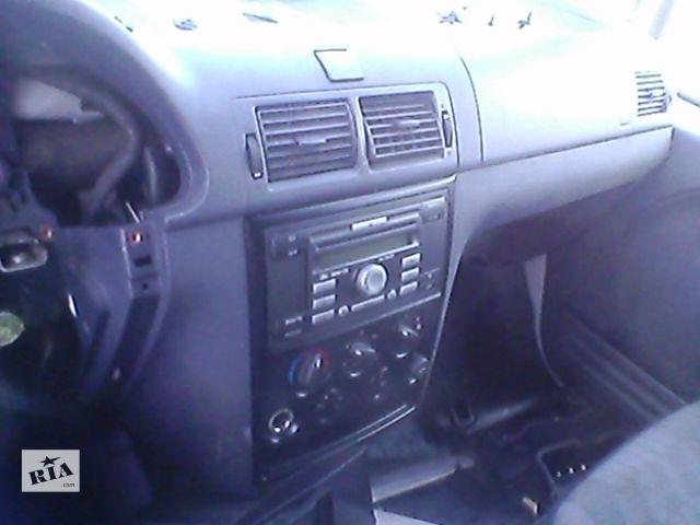 купить бу Б/у торпедо/накладка для пікапа Ford Transit Connect 2007 в Ивано-Франковске
