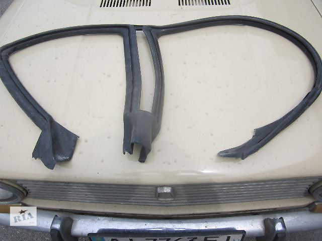 купить бу Б/у уплотнитель двери для легкового авто Subaru Outback 2008 в Киеве