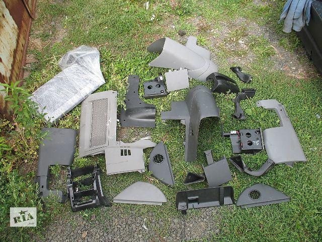купить бу Б/у внутренние компоненты кузова для легкового авто Volkswagen T5 (Transporter) в Луцке