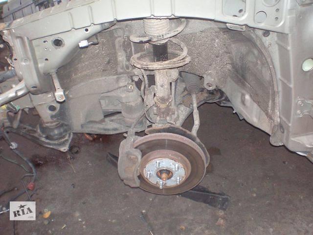 бу б/у Задний/передний мост/балка, подвеска, амортиз Цапфа Легковой Toyota Camry Седан 2004 в Луцке