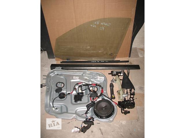 купить бу Б/у замок двери для легкового авто Hyundai Santa FE 2007 в Луцке