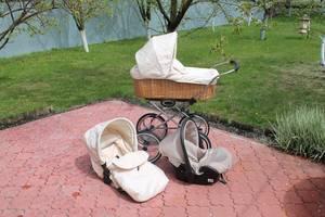 б/у Классическая детская коляска