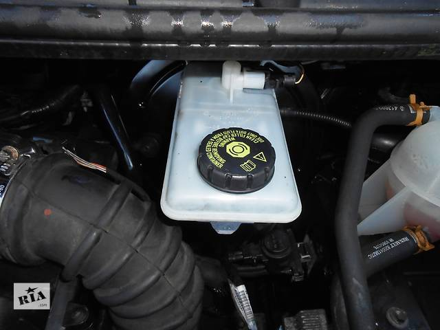 Бачок главного тормозного, головного гальмівного Renault Trafic Рено Трафик Opel Vivaro Опель Виваро Nissan Primastar- объявление о продаже  в Ровно