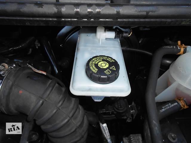 продам Бачок главного тормозного, головного гальмівного Renault Trafic Рено Трафик Opel Vivaro Опель Виваро Nissan Primastar бу в Ровно