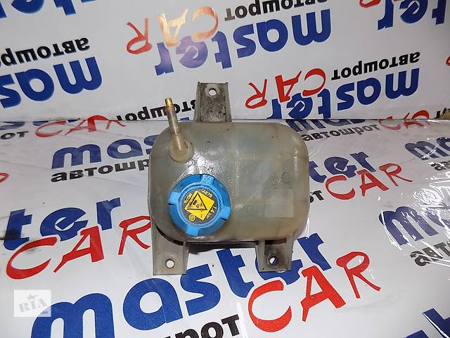 купить бу Бачок расширительный Фіат Фиат Добло Новый кузов 263 Fiat Doblo Nuovo 263 2009-2014 в Ровно