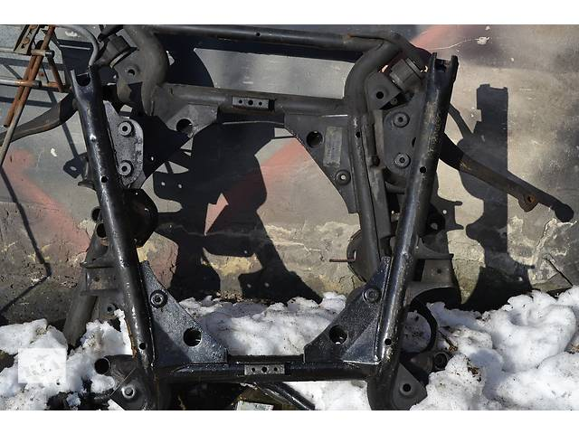 купить бу  Балка передней подвески BMW X5 е53 БМВ Х5 в Ровно
