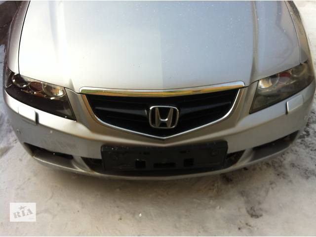 продам Бампер передний для  Honda Accord 2003 - 2006 бу в Ровно