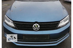 Бампер передний Volkswagen Jetta