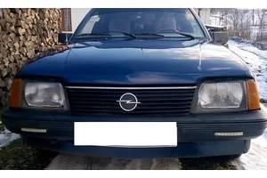 б/у Бамперы передние Opel Ascona