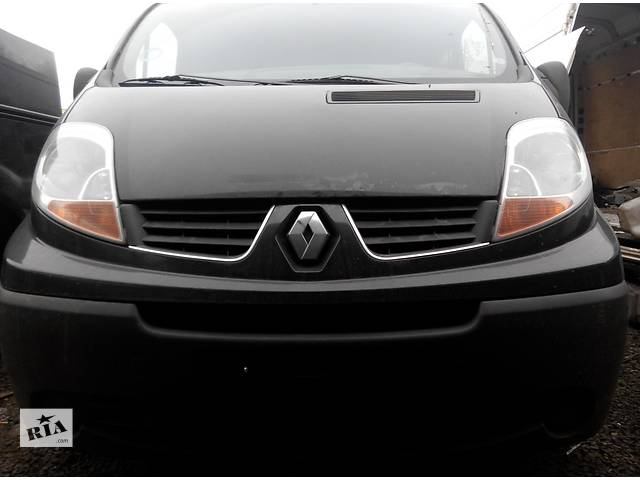 продам Бампер передний, передній Renault Trafic 1.9, 2.0, 2.5 Рено Трафик (Vivaro, Виваро) бу в Ровно