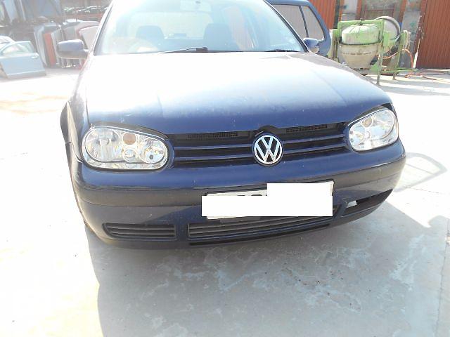 купить бу Бампер передний для Volkswagen Golf IV 2001 в Львове