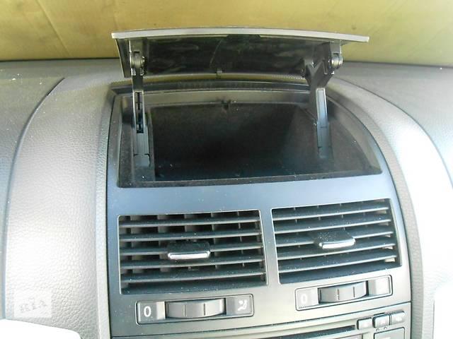 купить бу Бардачок в переднюю панель Volkswagen Touareg Vw Туарек 2003-2009 в Ровно