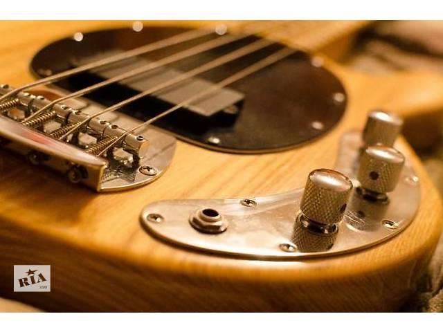 купить бу Бас гітара майстрова (Musicman) в Львове