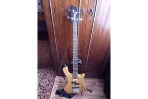 б/у Бас гитары Washburn
