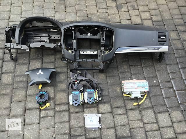 купить бу  безопасность для  Mitsubishi Pajero Wagon в Луцке