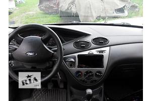 Блоки кнопок в торпеду Ford Focus