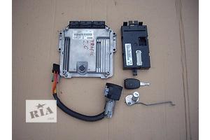 Блок управления двигателем Opel Vivaro груз.