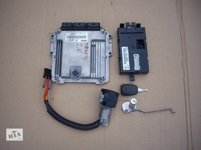 купить бу Блок управления двигателем для легкового авто Renault Trafic 2002-15 в Луцке