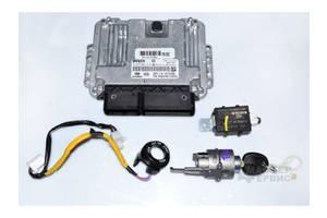 б/у Блоки управления двигателем Hyundai Tucson