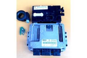 б/у Блоки управления двигателем Opel Vivaro груз.