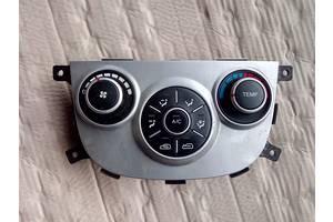б/у Блоки управления печкой/климатконтролем Hyundai Santa FE