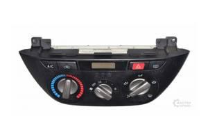 б/у Блок управления печкой/климатконтролем Toyota Rav 4